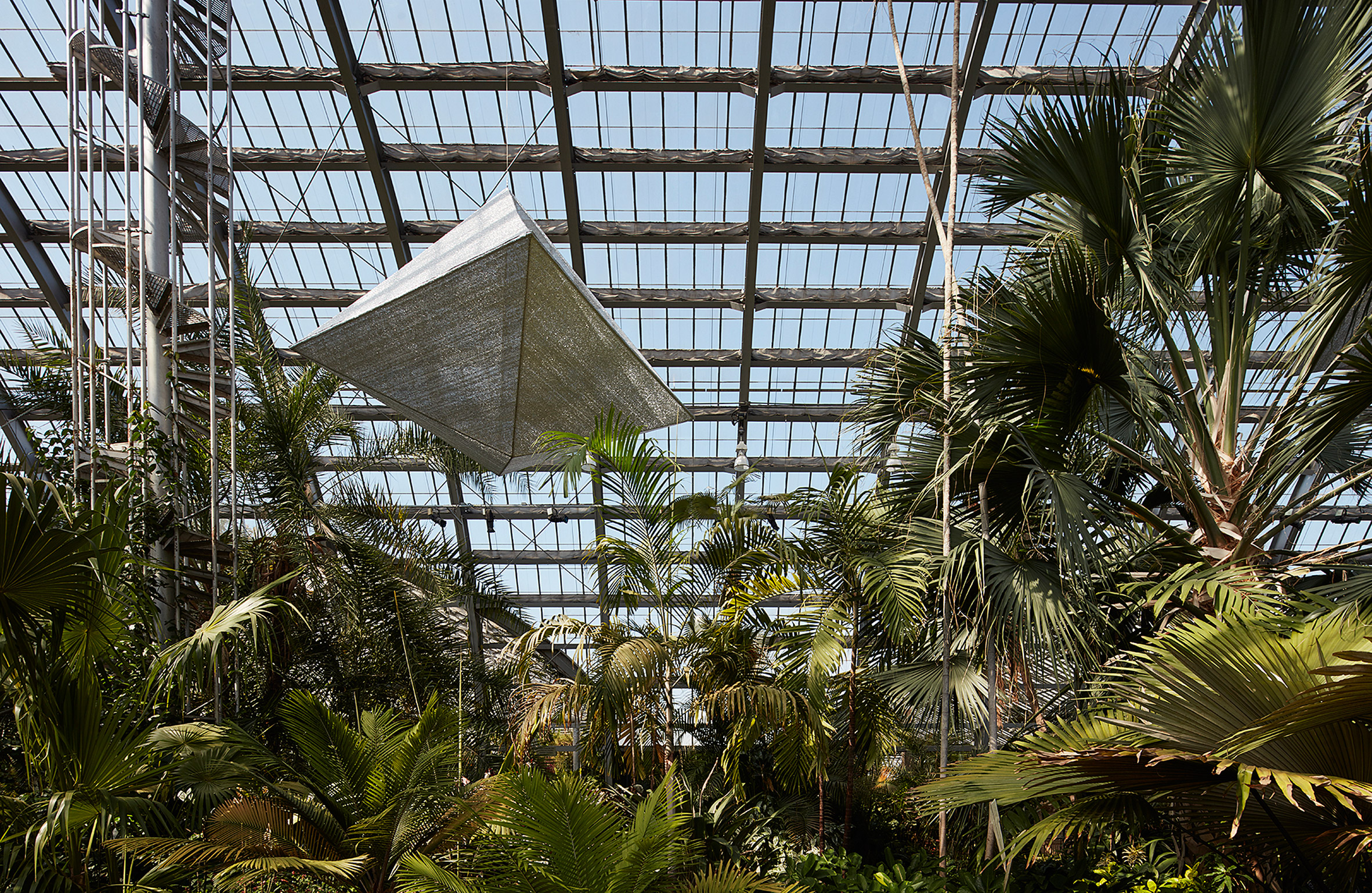 Francois Perrin installs cooling Air Houses in Chicago conservatory
