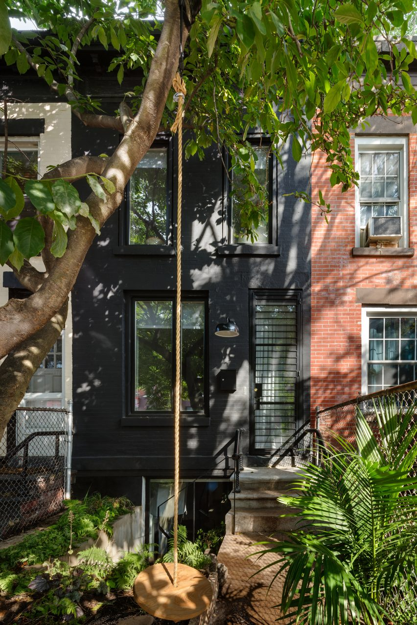 Brooklyn Row House 1 by Office of Architecture