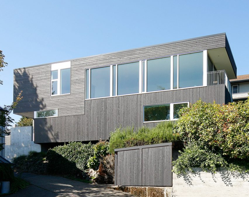 Cantilever House by Robert Hutchison Architecture