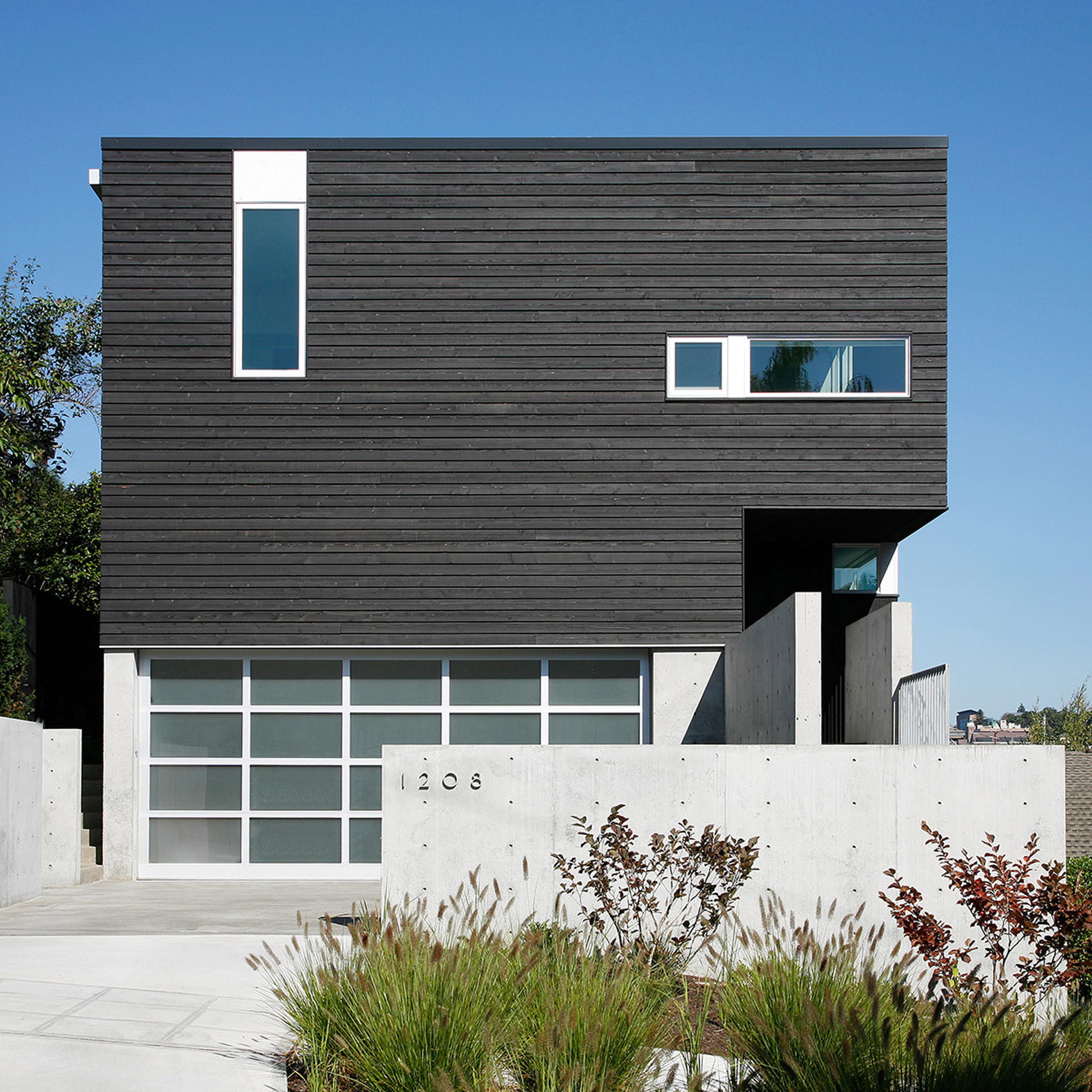 Robert Hutchisonu0027s Cantilever House Projects Towards Seattle Harbour