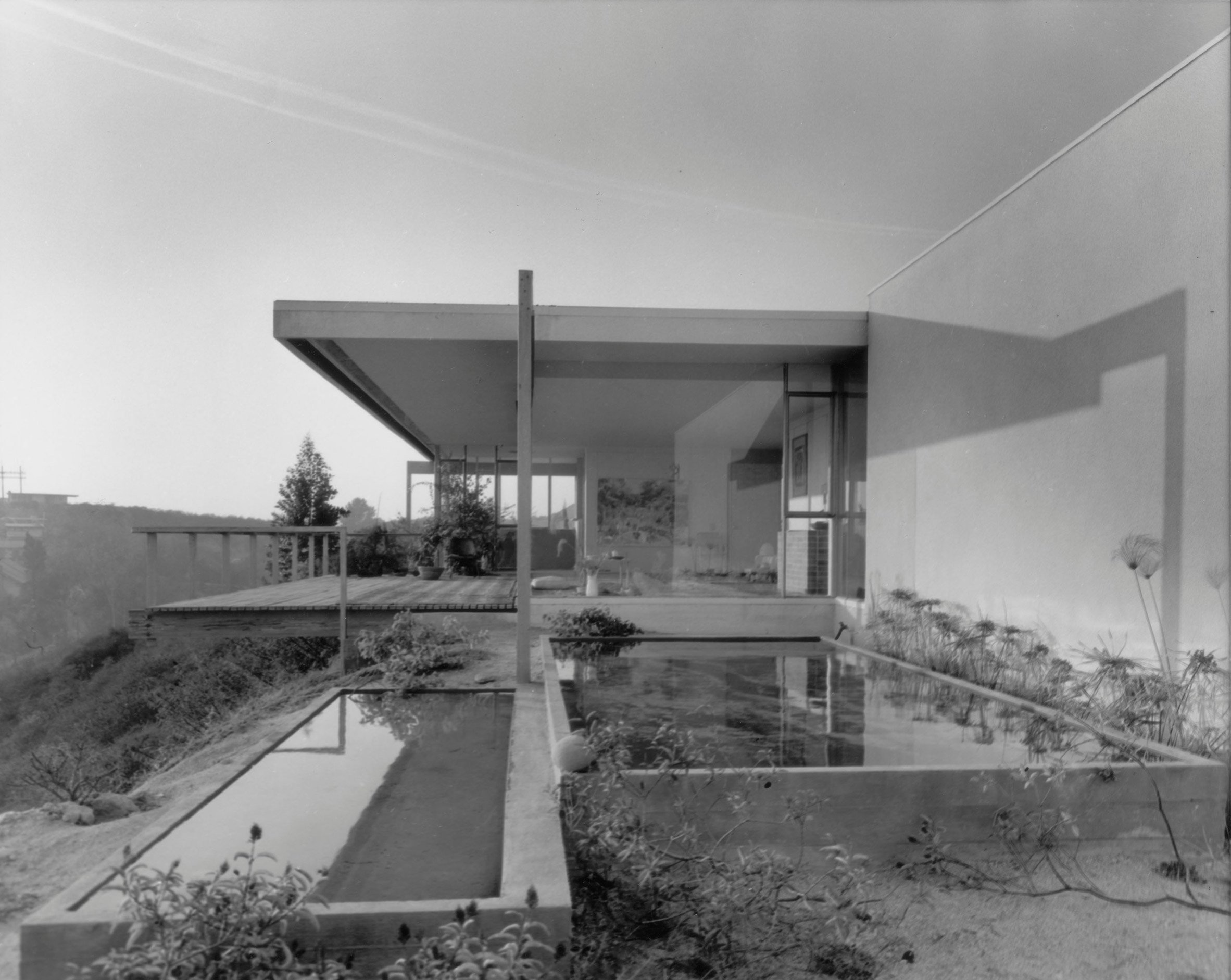 Richard Neutra's Chuey House up for sale as a developable lot