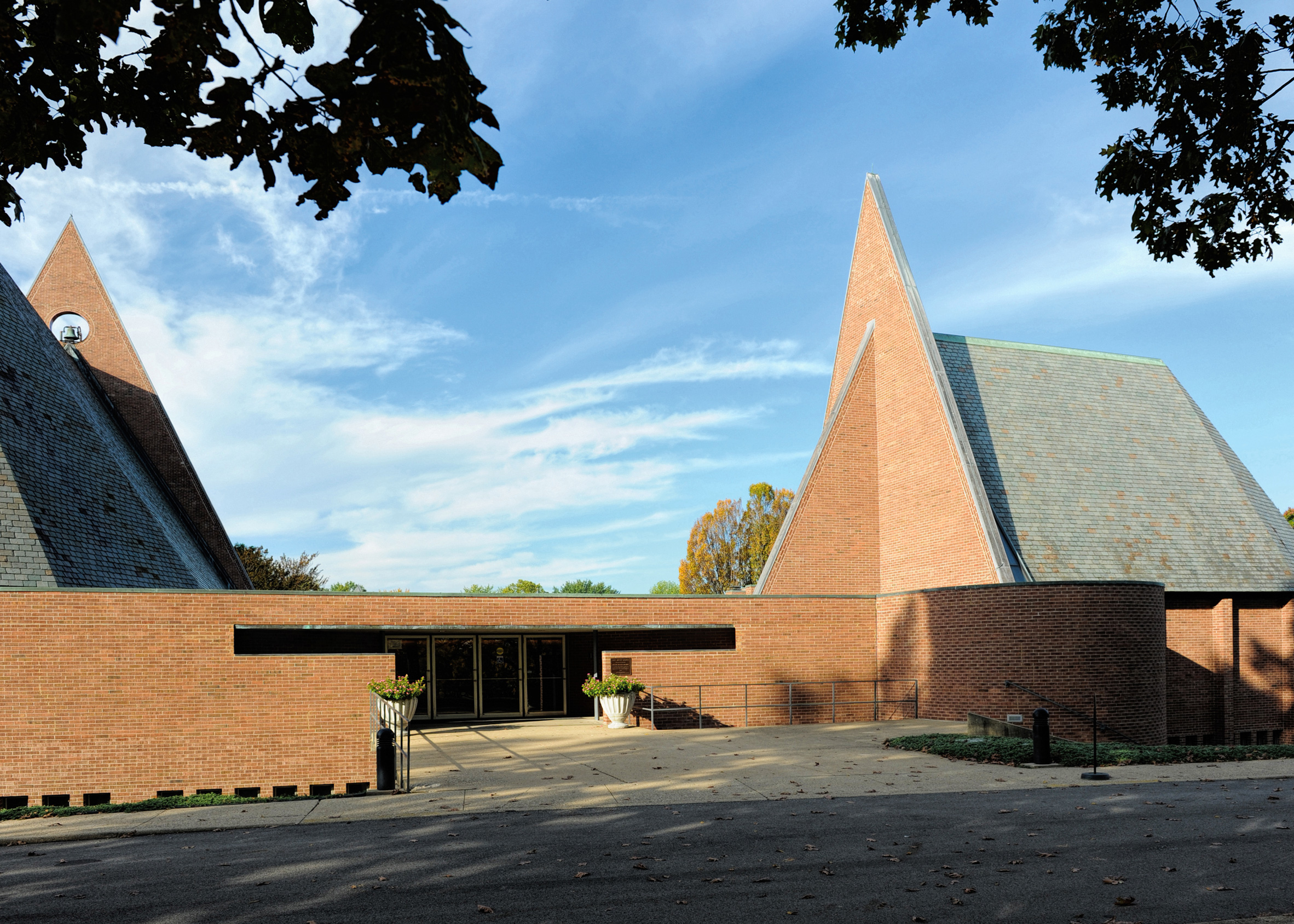 First Baptist Church by Harry Weese, 1965
