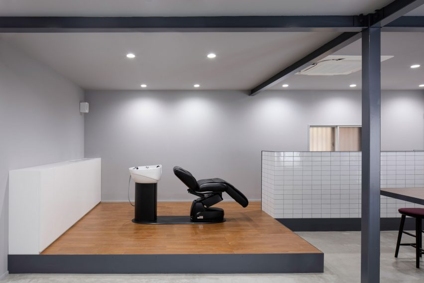 Hair salon in Japan by Hidenori Tsuboi Architects