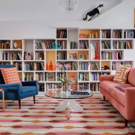 House for Booklovers and Cats by BFDO Architects