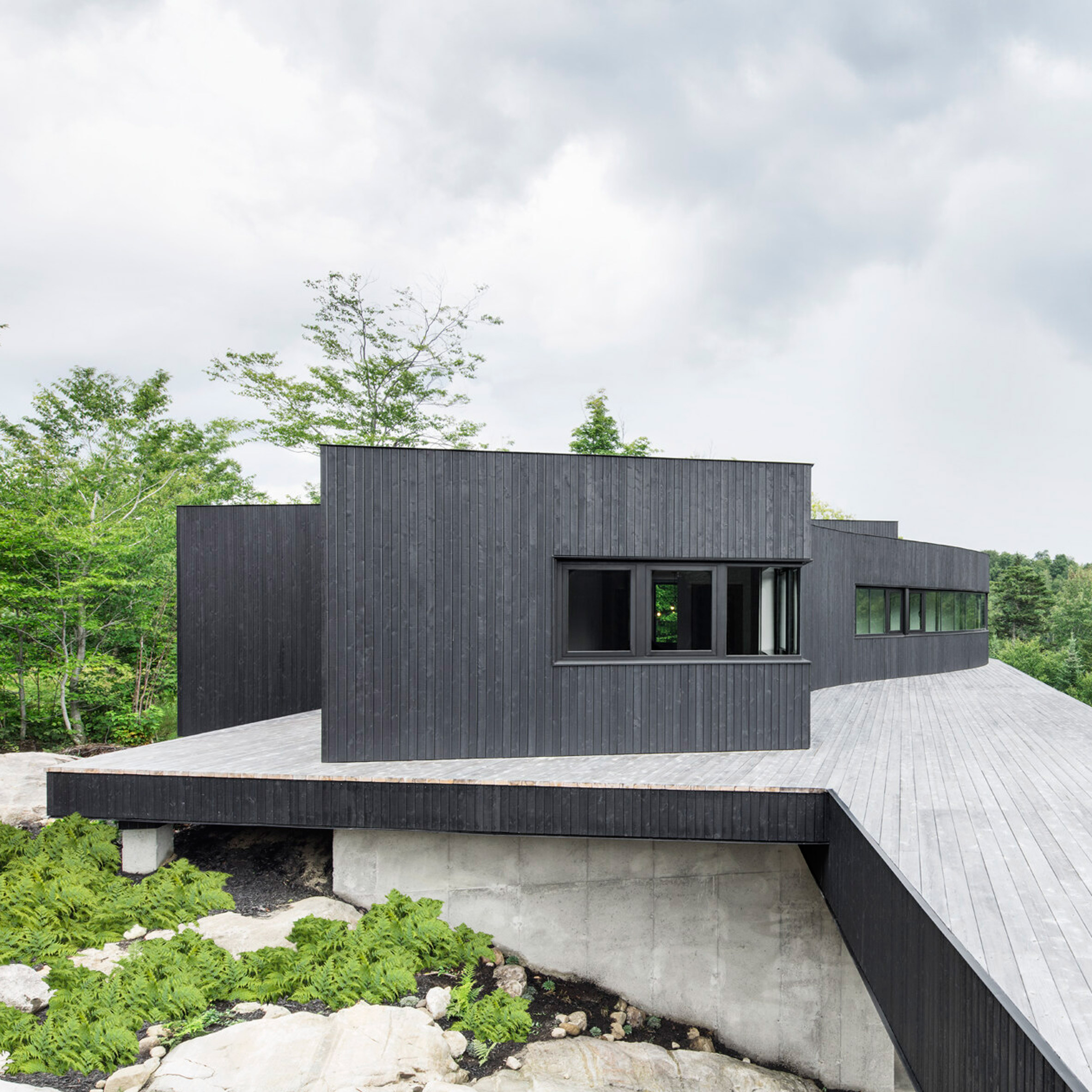 La heronniere by alain carle interior design jobs quebec for Interior design jobs in europe