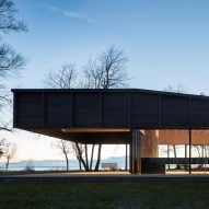 Michigan Lake House by Desai Chia Architects