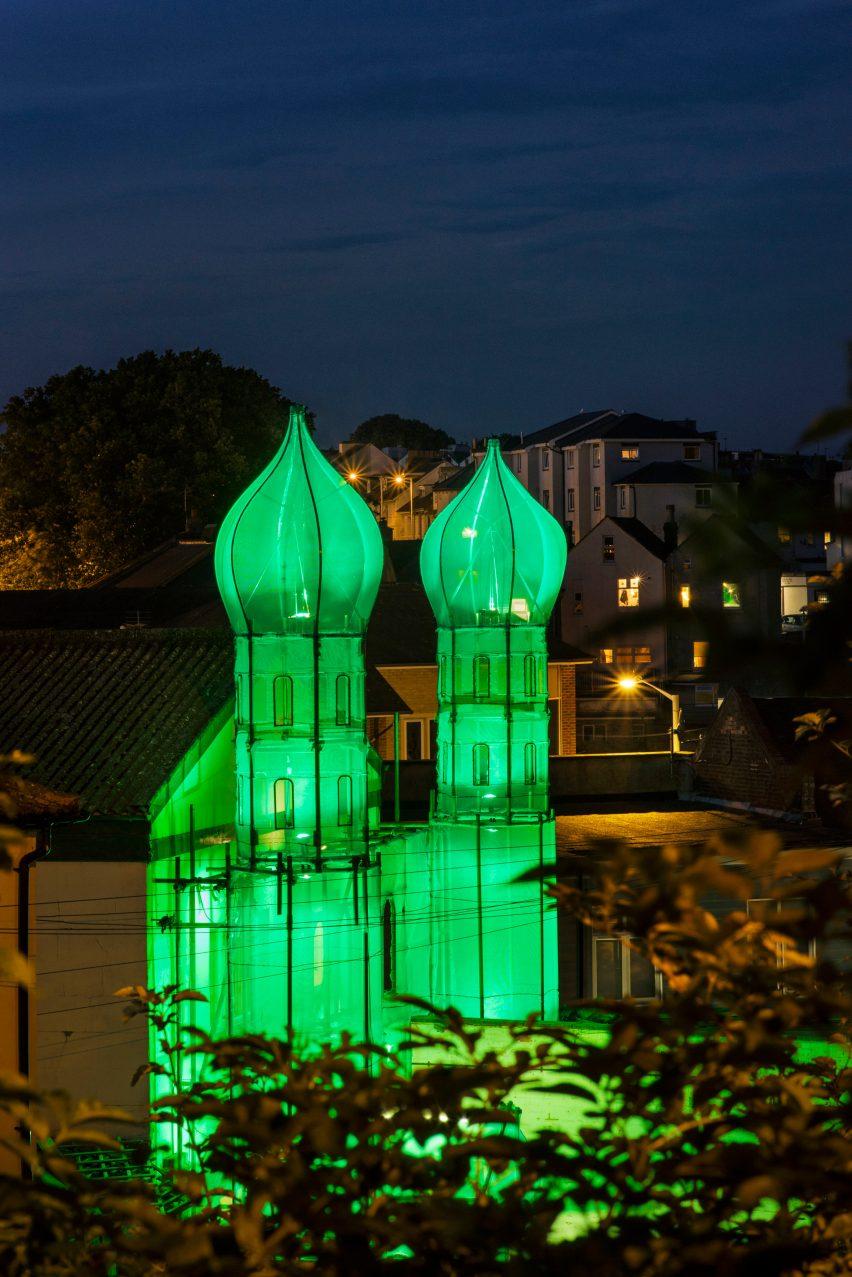 Minaret by HoyCheong Wong