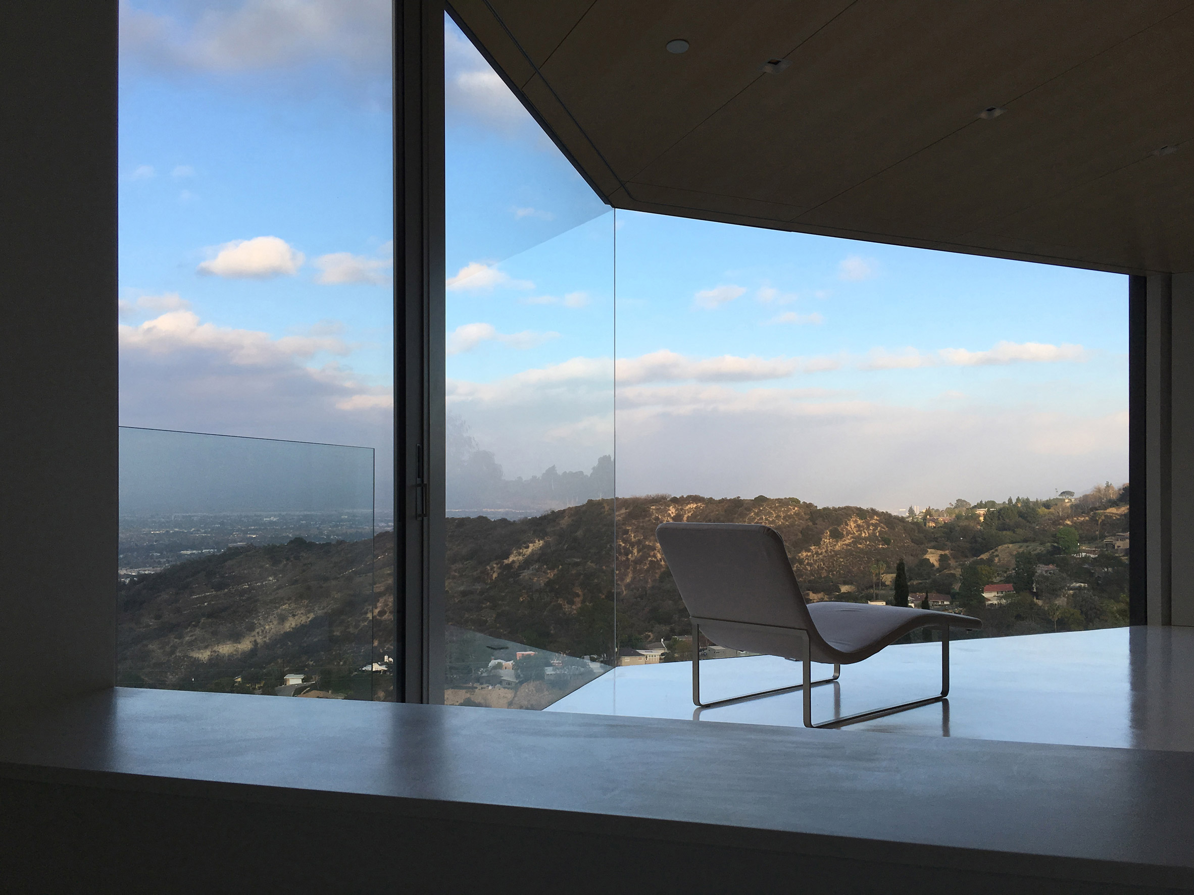 Mullholland Drive by 1m Project