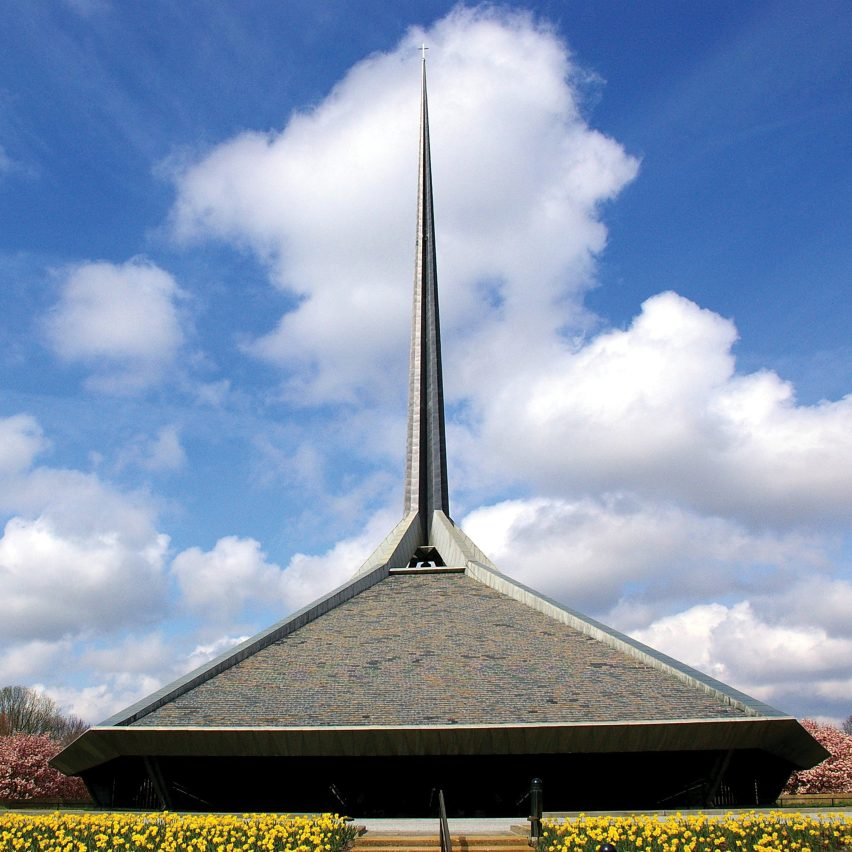 North Christian Church by Eero Saarinen, 1964
