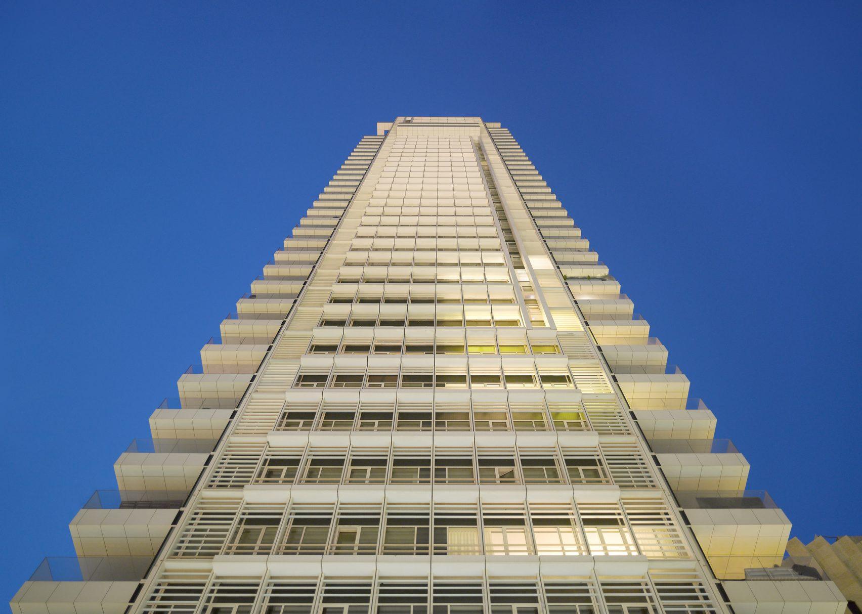Башня в стиле Баухаус в Тель-Авиве