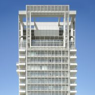Richard Meier completes Bauhaus-inspired tower in Tel Aviv