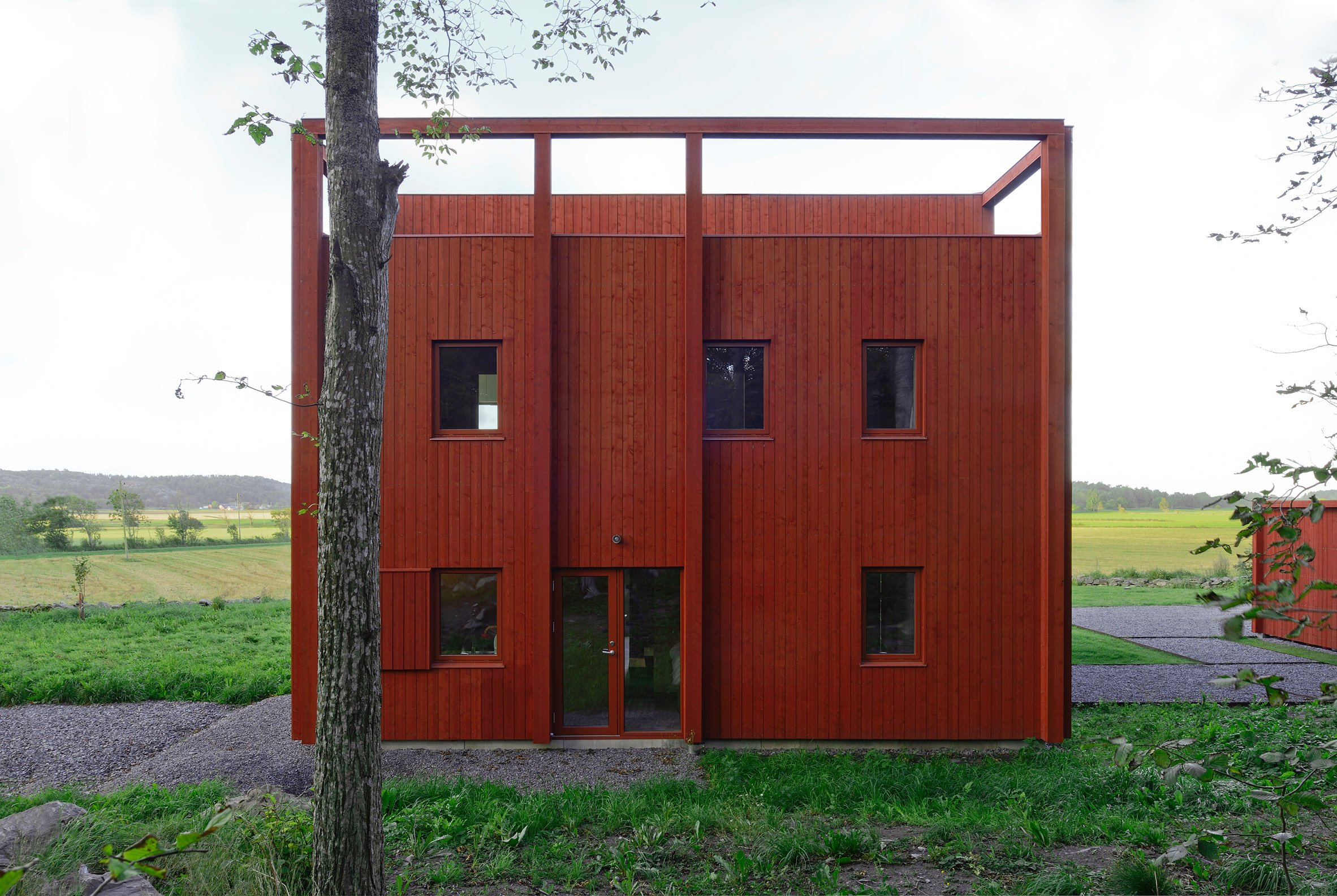 Bornstein Lyckefors Architects builds vibrant red cabin as a retreat for a Swedish family