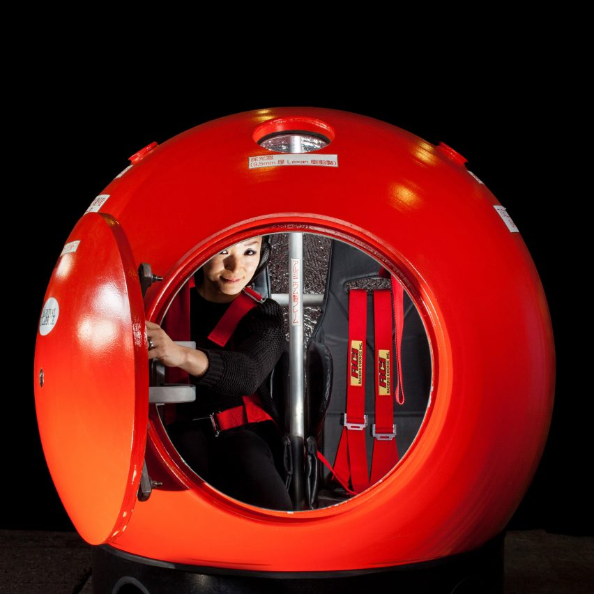 Survival capsule by Kumi can withstand tsunamis.