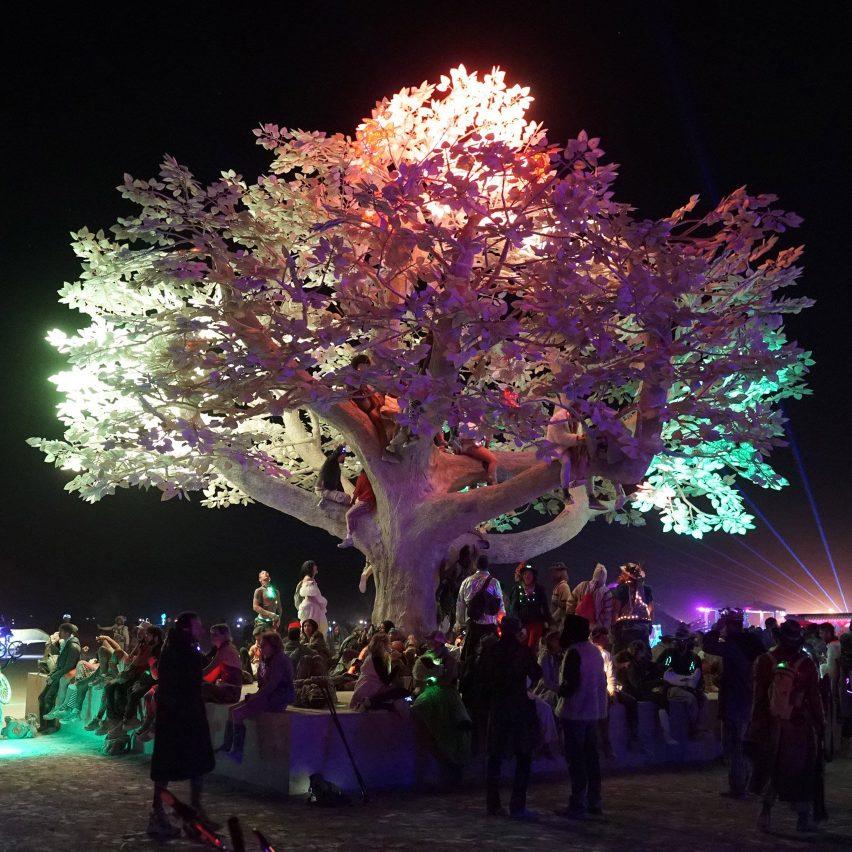 Tree of Ténéré by Studio Drift