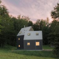 New Affiliates creates asymmetric mountain cabin in Vermont