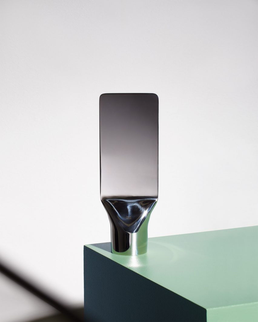 Umbra shift mirror by Philippe Malouin