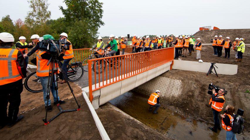 3d-printed-bridge-concrete-netherlands-h