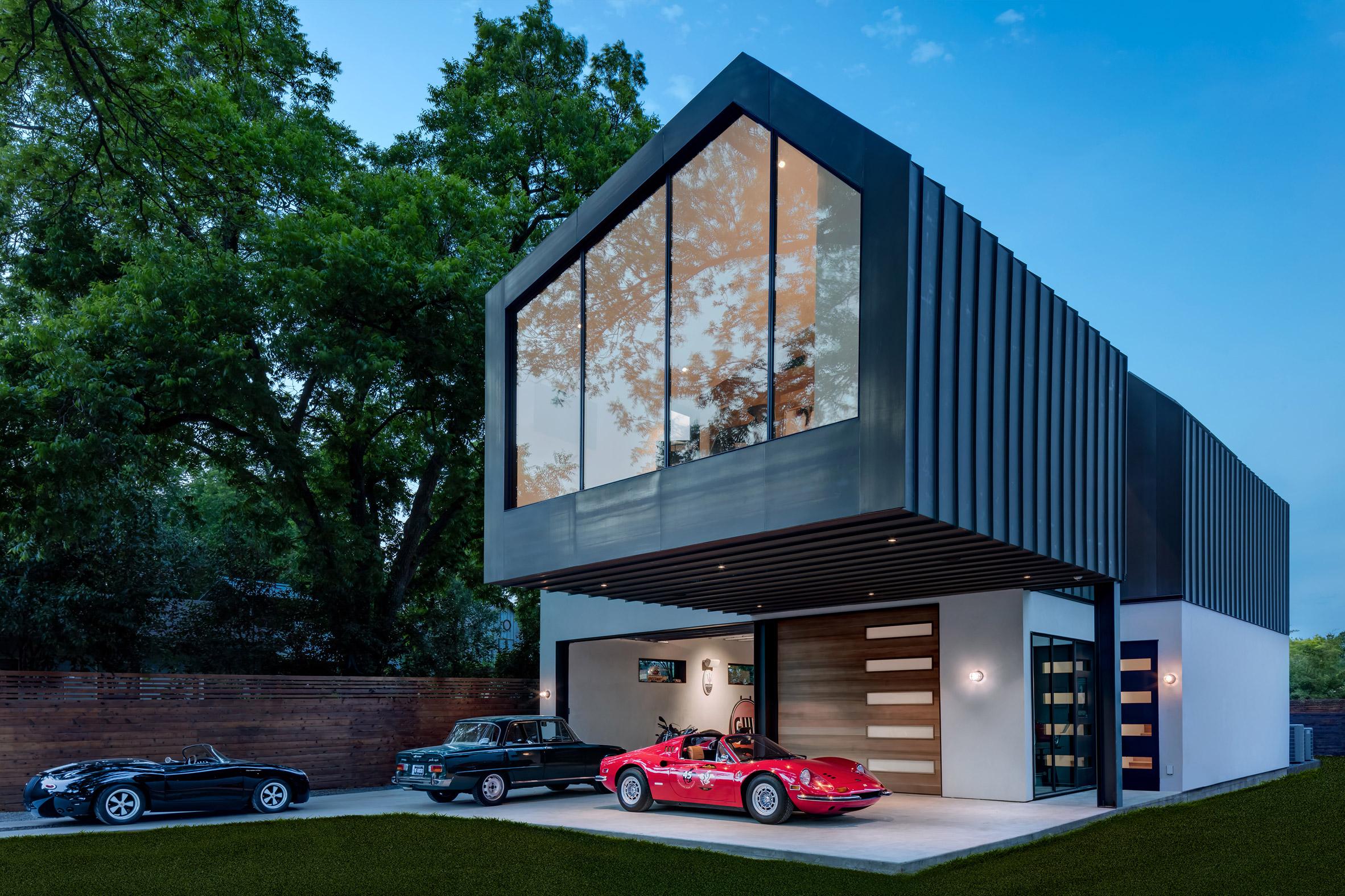 Matt Fajkus designs asymmetric Austin residence for vintage car lover