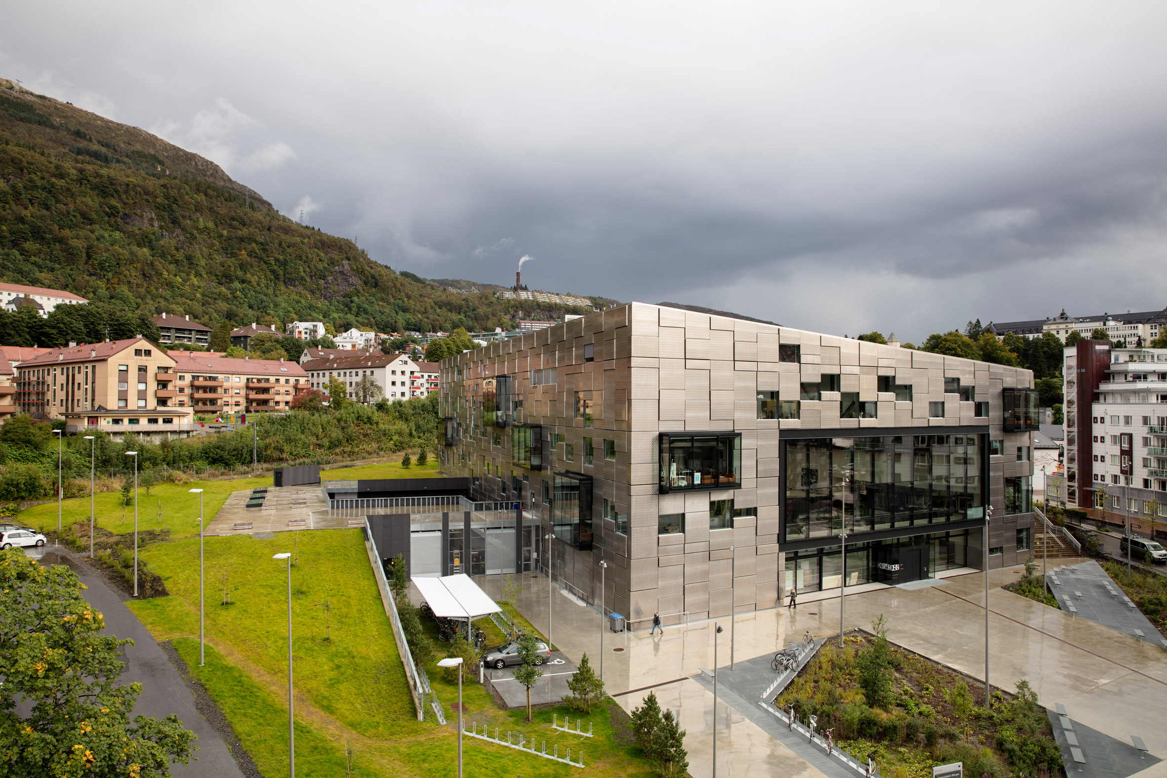 Snøhetta makes every interior surface a canvas in new £100-million arts school in Bergen