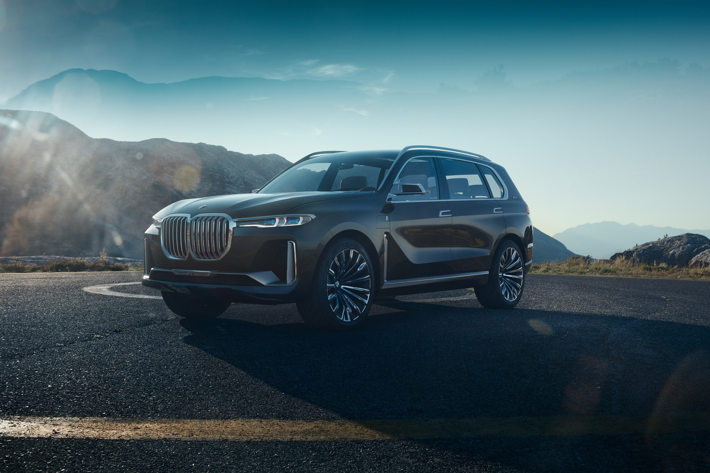 BMW unveils spacious X7 concept car as part of expanded luxury vehicle range