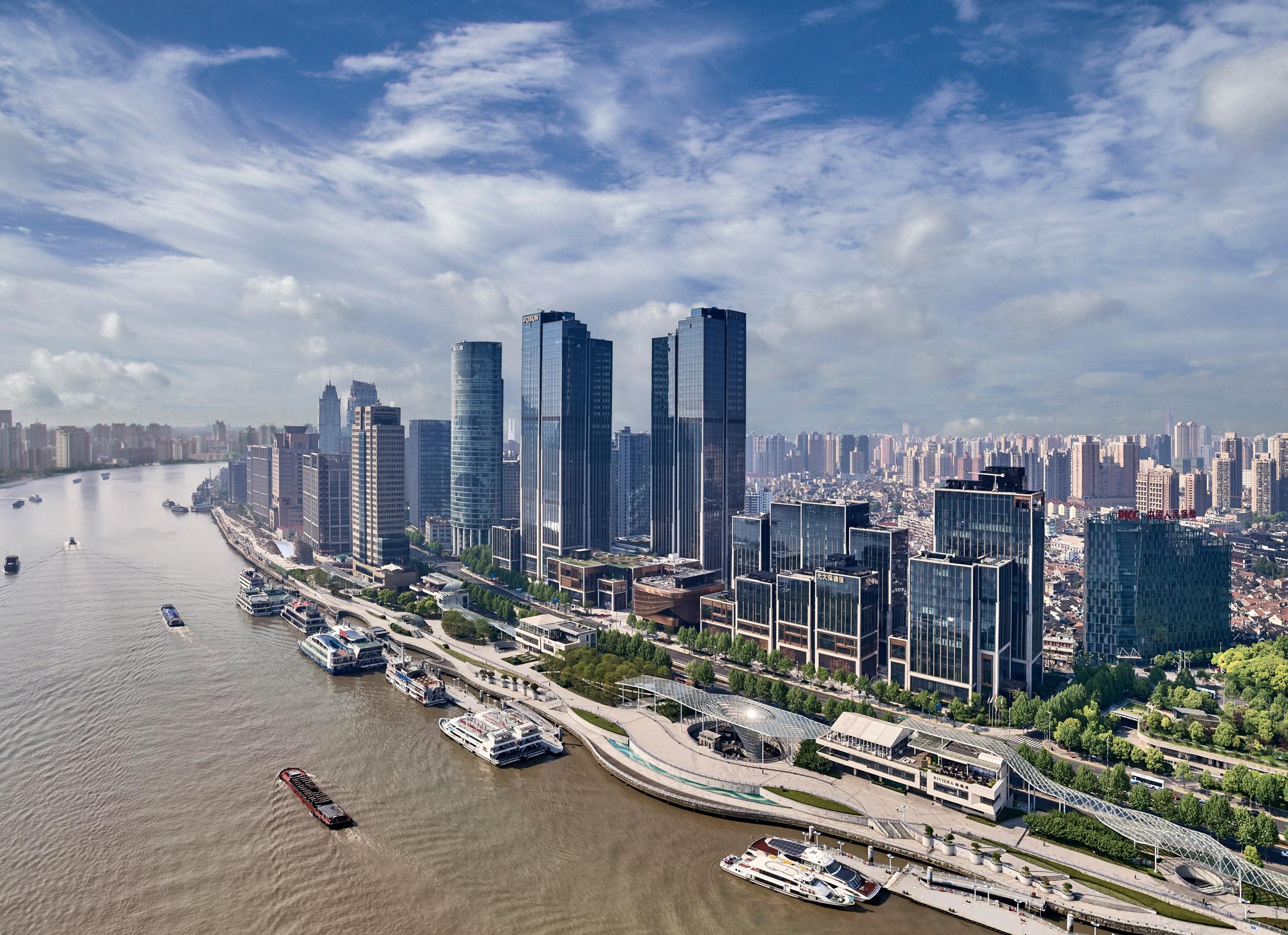 Foster + Partners and Heatherwick Studio complete Shanghai skyscraper duo