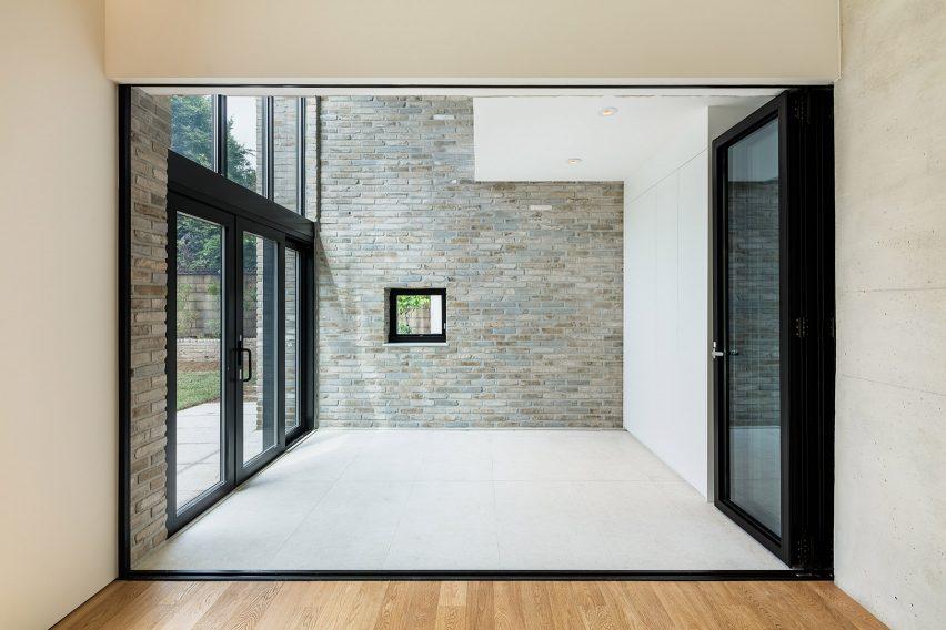 Cheongun Residence by Hyundai Kim + Tectonics Lab