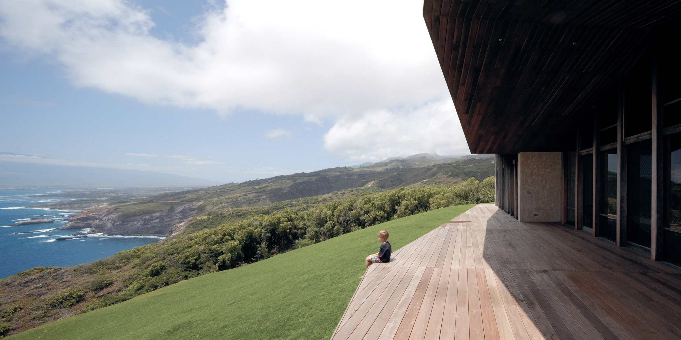 Clifftop House Maui by Dekleva Gregoric Architects