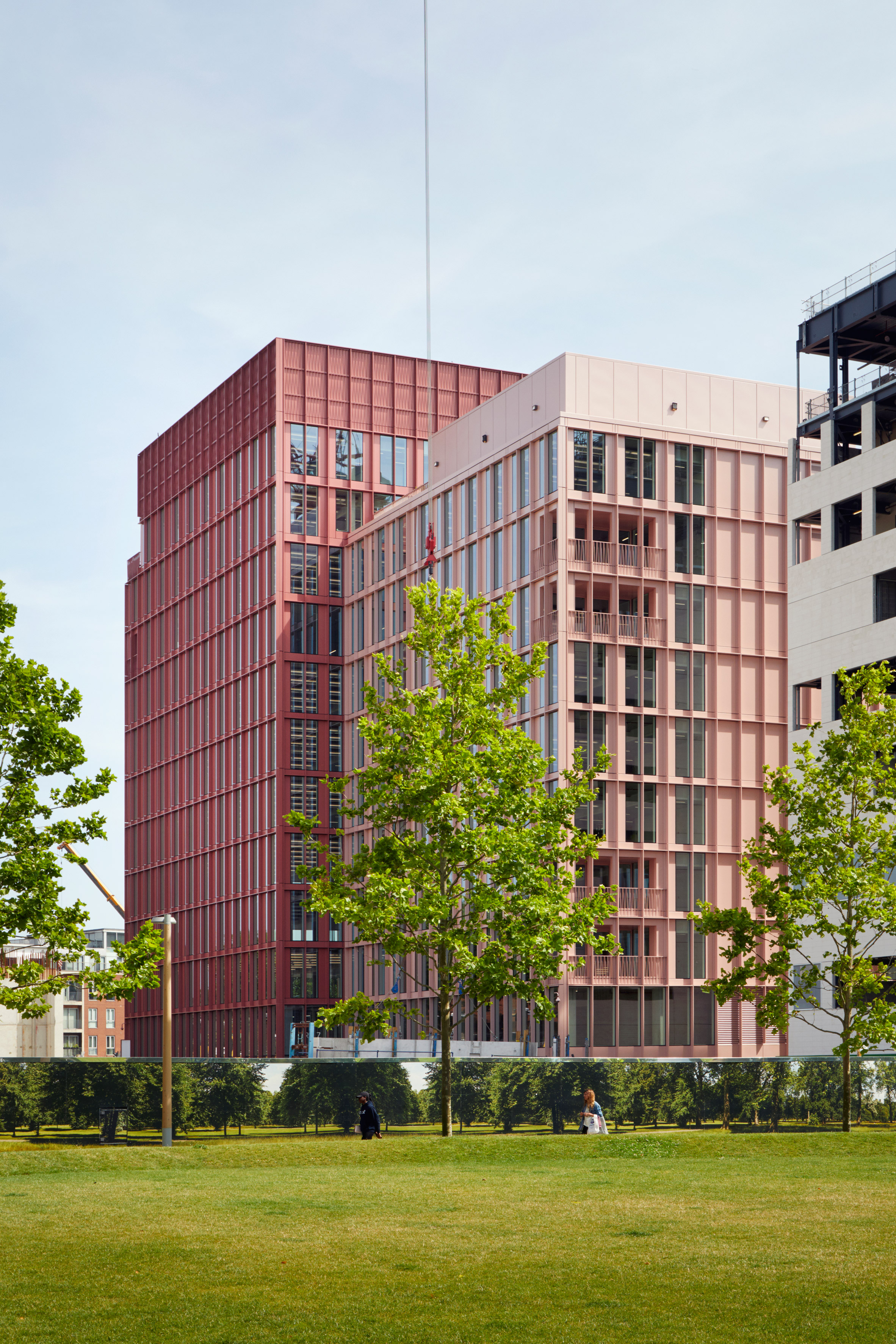 Duggan Morris builds office with millennial-pink exterior in London's King's Cross