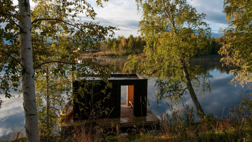 Floating sauna by Small Architecture Workshop.