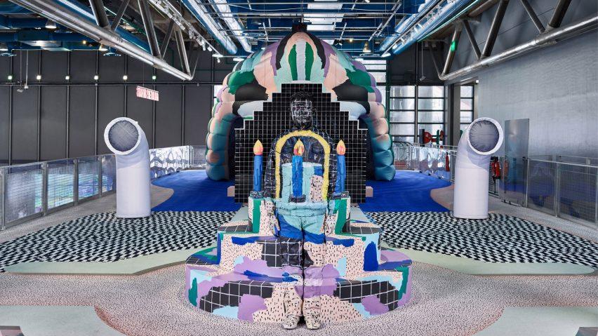 Centre pompidou 39 s kids 39 installation mixes pattern colour for Art minimal centre pompidou