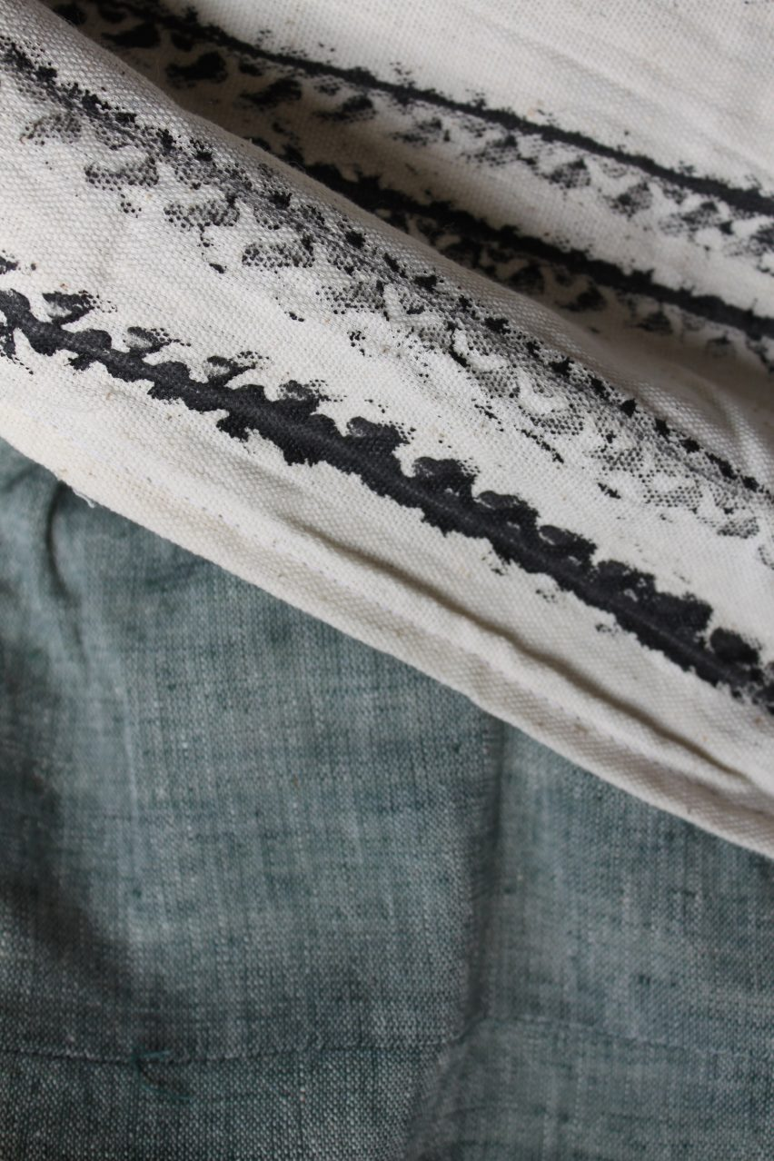 Graviky Ink scarves by Dutch designer Kelly Gijsen