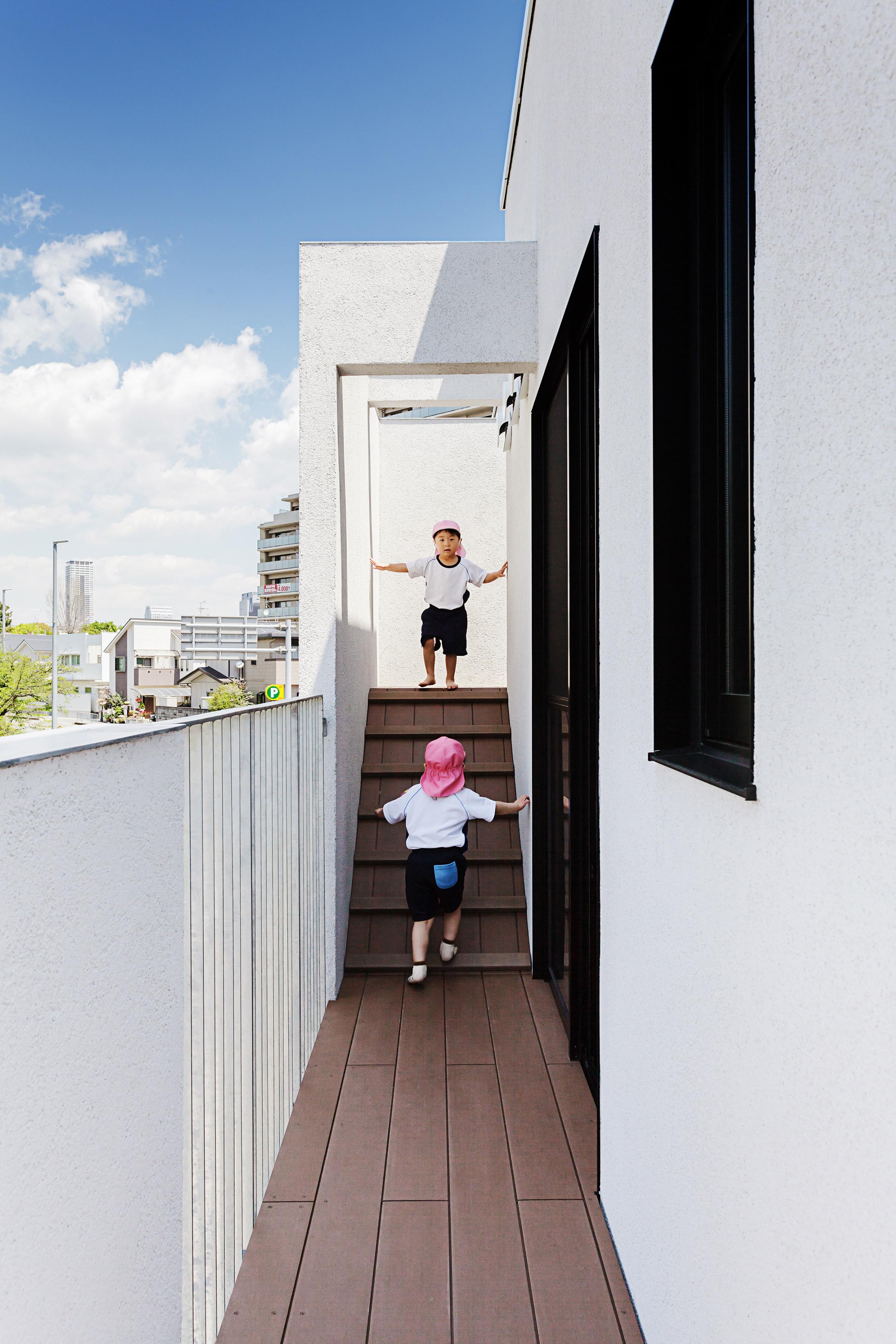 Hibinosekkei and Youji no Shiro Osaka Nursery