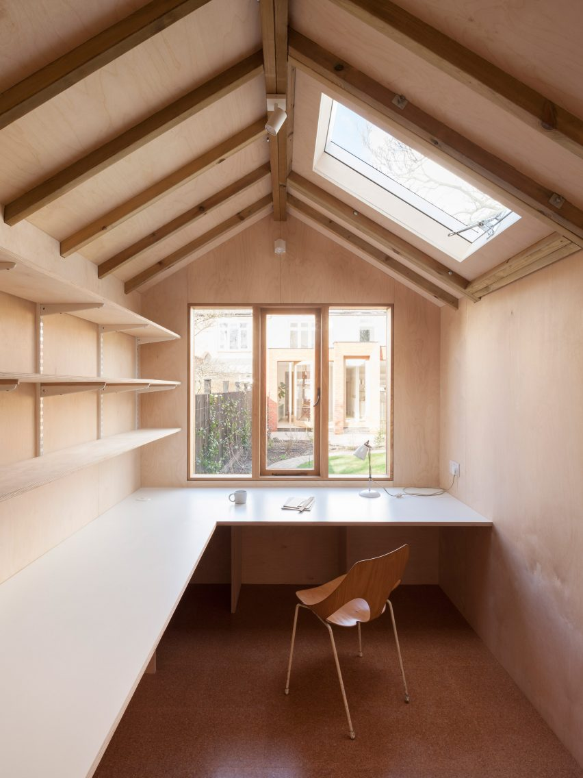 Laura Dewe Mathews Creates Spaces For Birdwatching And Painting In ...