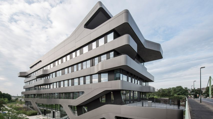 Jürgen Mayer Hu0027s FOM Hochschule Building Features Bulging Balconies And  Seamless Stairs