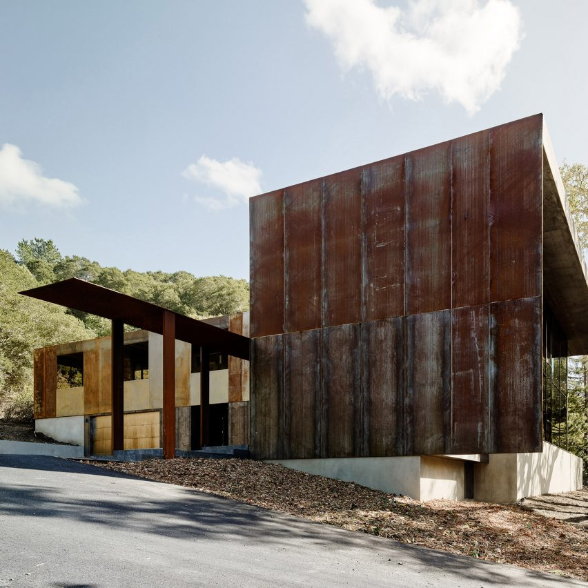 Faulkner Architects Wraps Northern California Home In