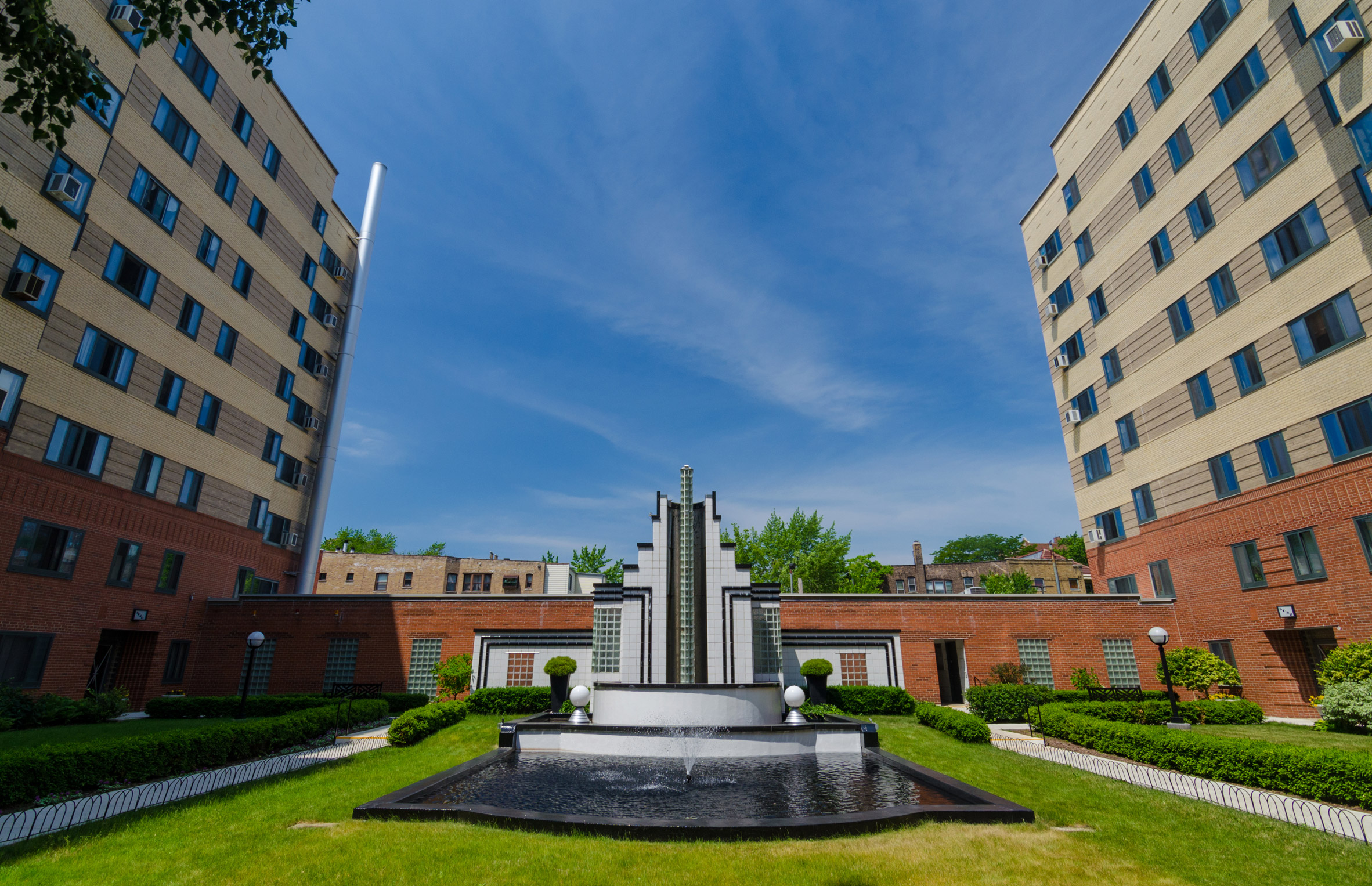 5040-5060 North Marine Drive Condominiums by Oman & Lilienthal for Open House Chicago