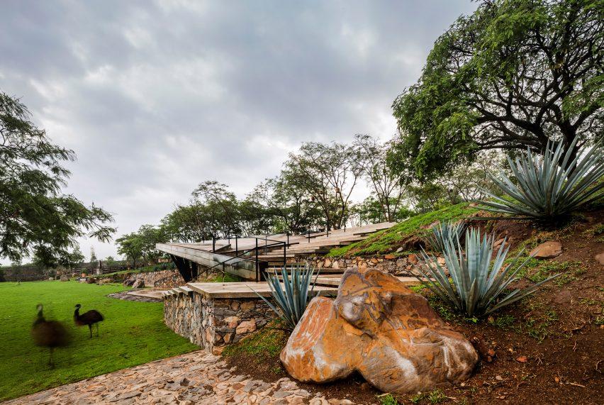 Rancho El Descanso by Miguel García Martín