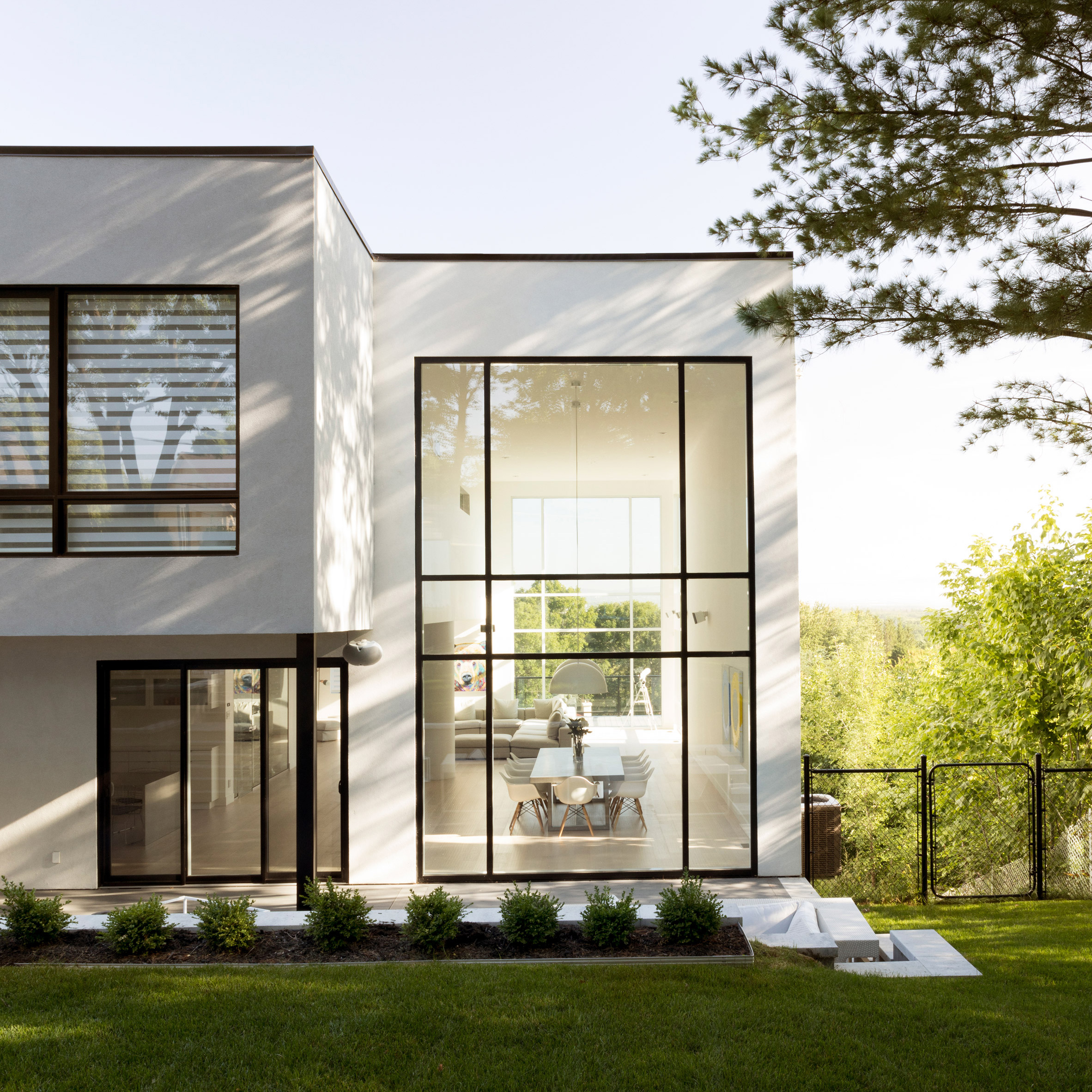 House design canada - Quebec Residence For Ice Hockey Player Includes Indoor Practice Rink