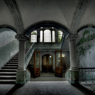 Eerily beautiful photographs of abandoned architecture for Halloween