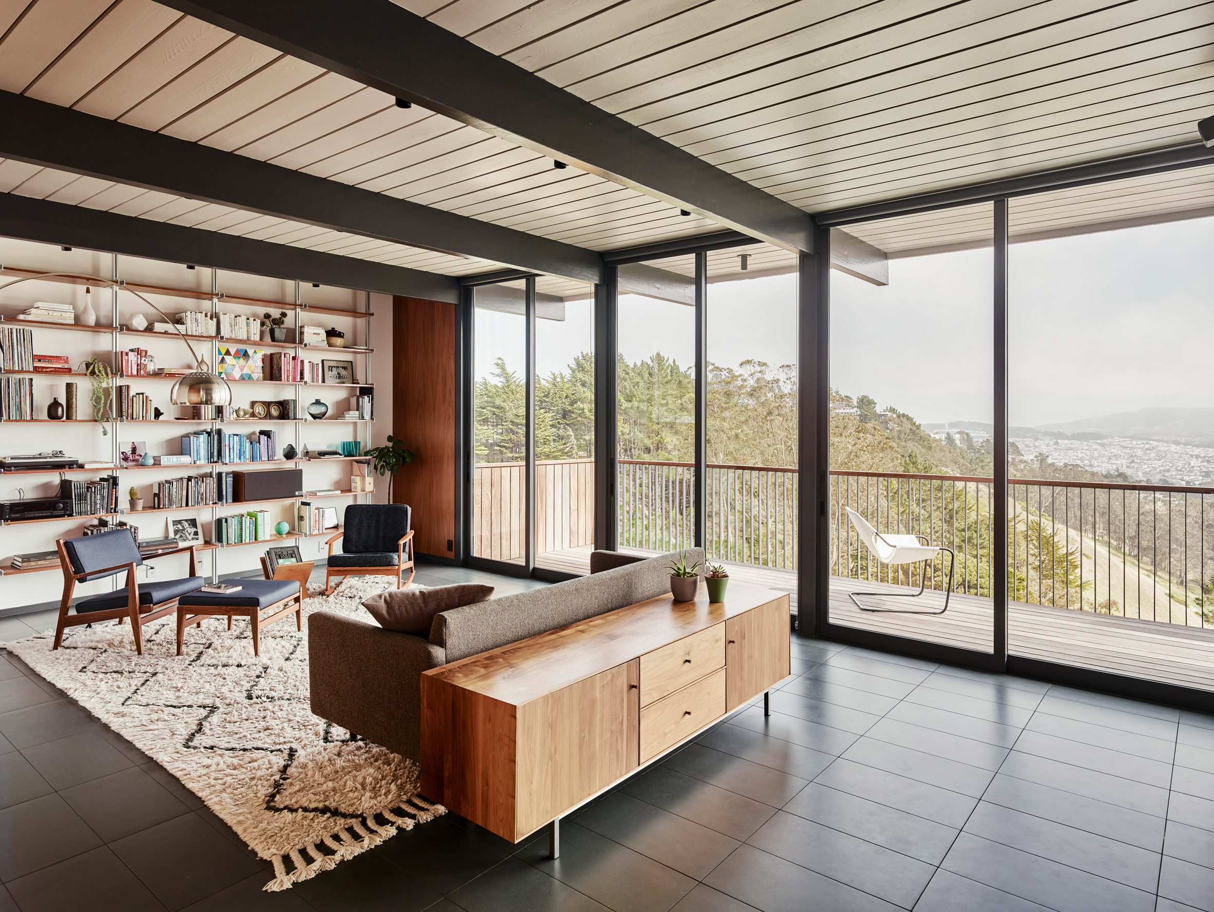 Michael Hennessey brings mid-century details back to Eichler house in San Francisco