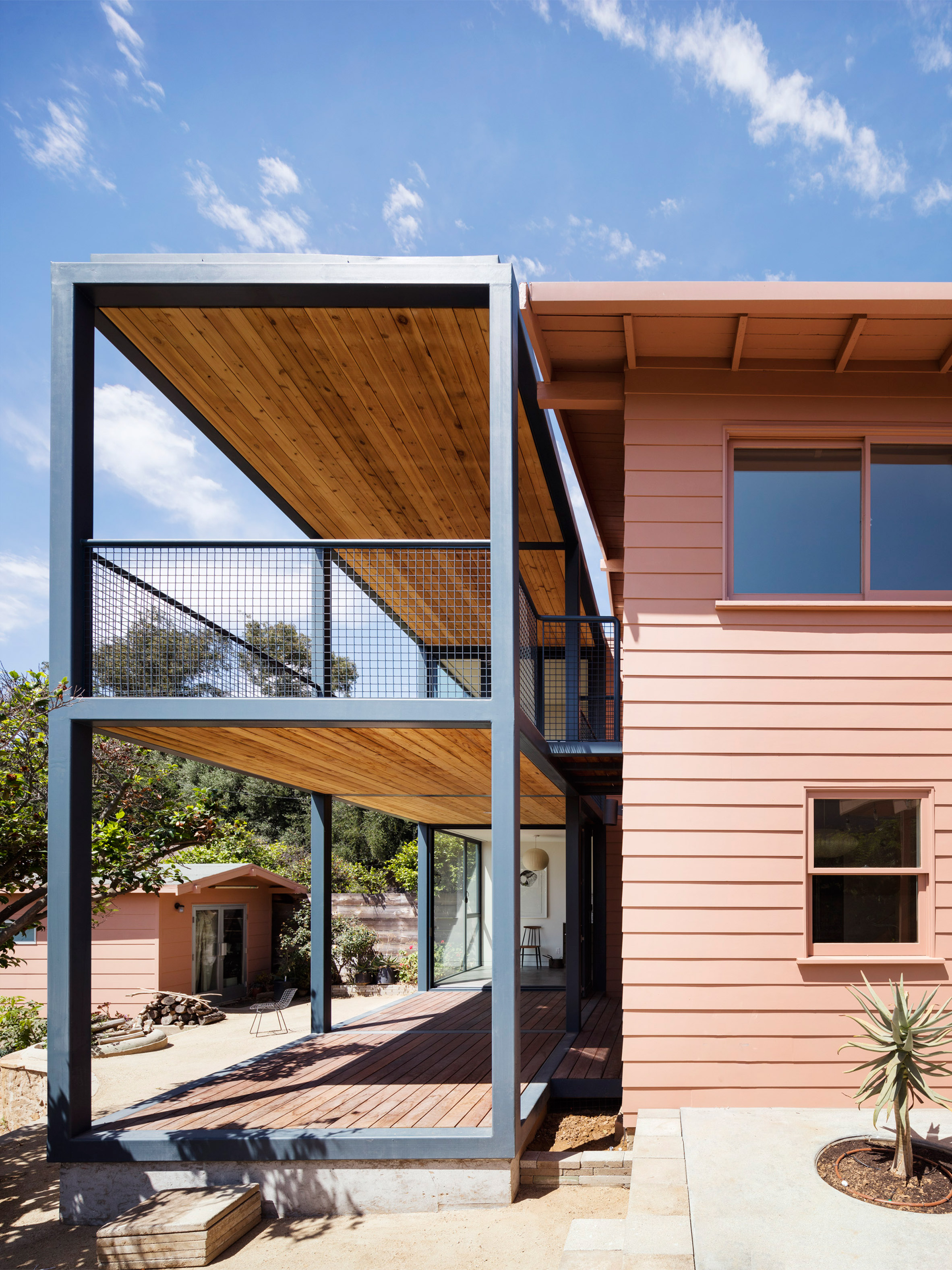 Fleischmann House by Productora