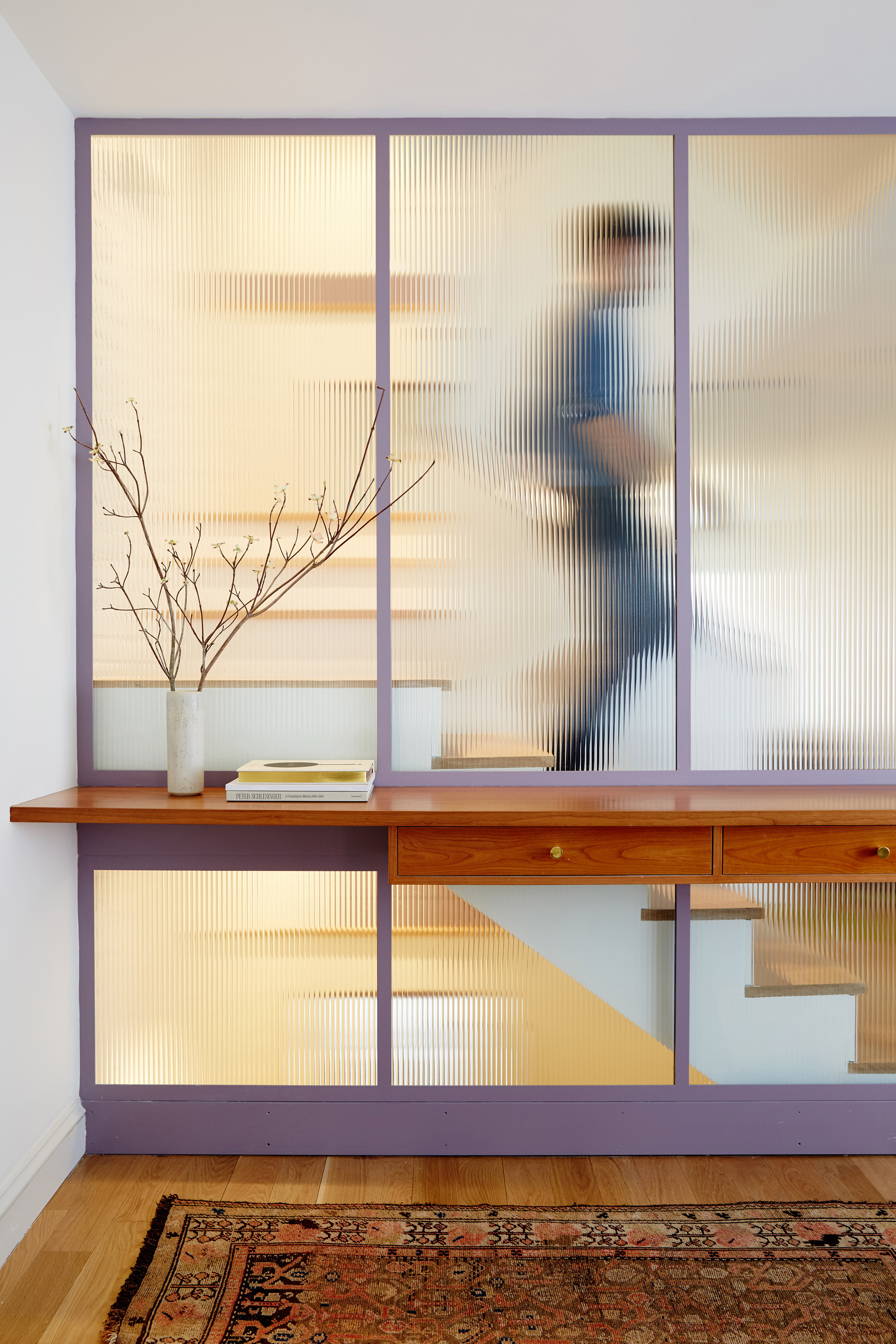 GRT Architects creates fluted glass stairwell for skinny Brooklyn townhouse