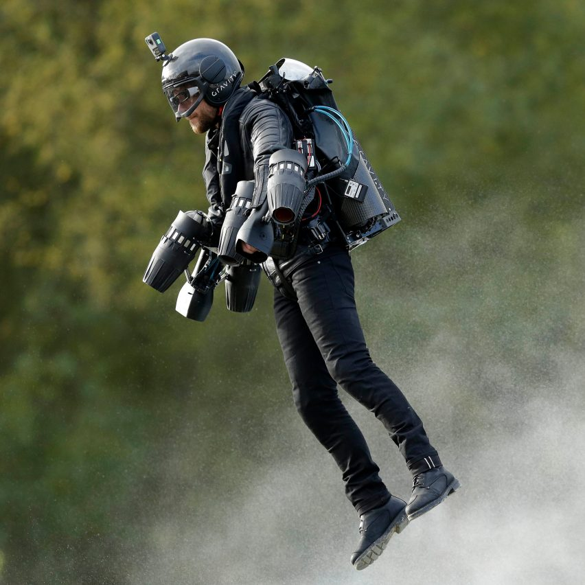 iron manesque flying suit sets world speed record