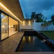 Knikno House by Fabian Tan Architect