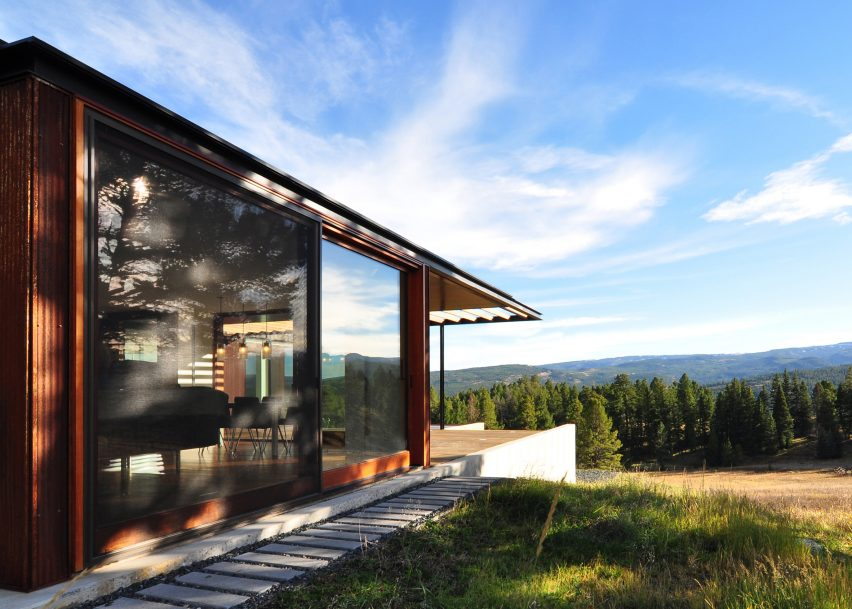 Mountain House by Johnsen Schmaling