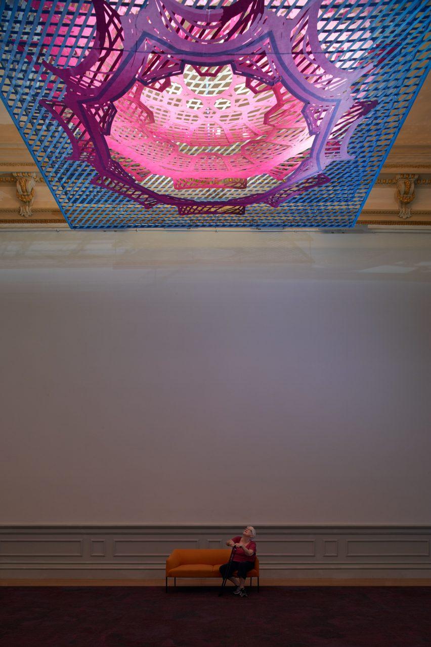 Parallax Gap at Smithsonian by Freelandbuck