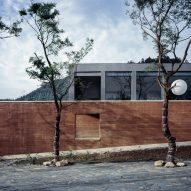 "DL Atelier builds museum with rammed-earth walls near China's ""porcelain capital"""