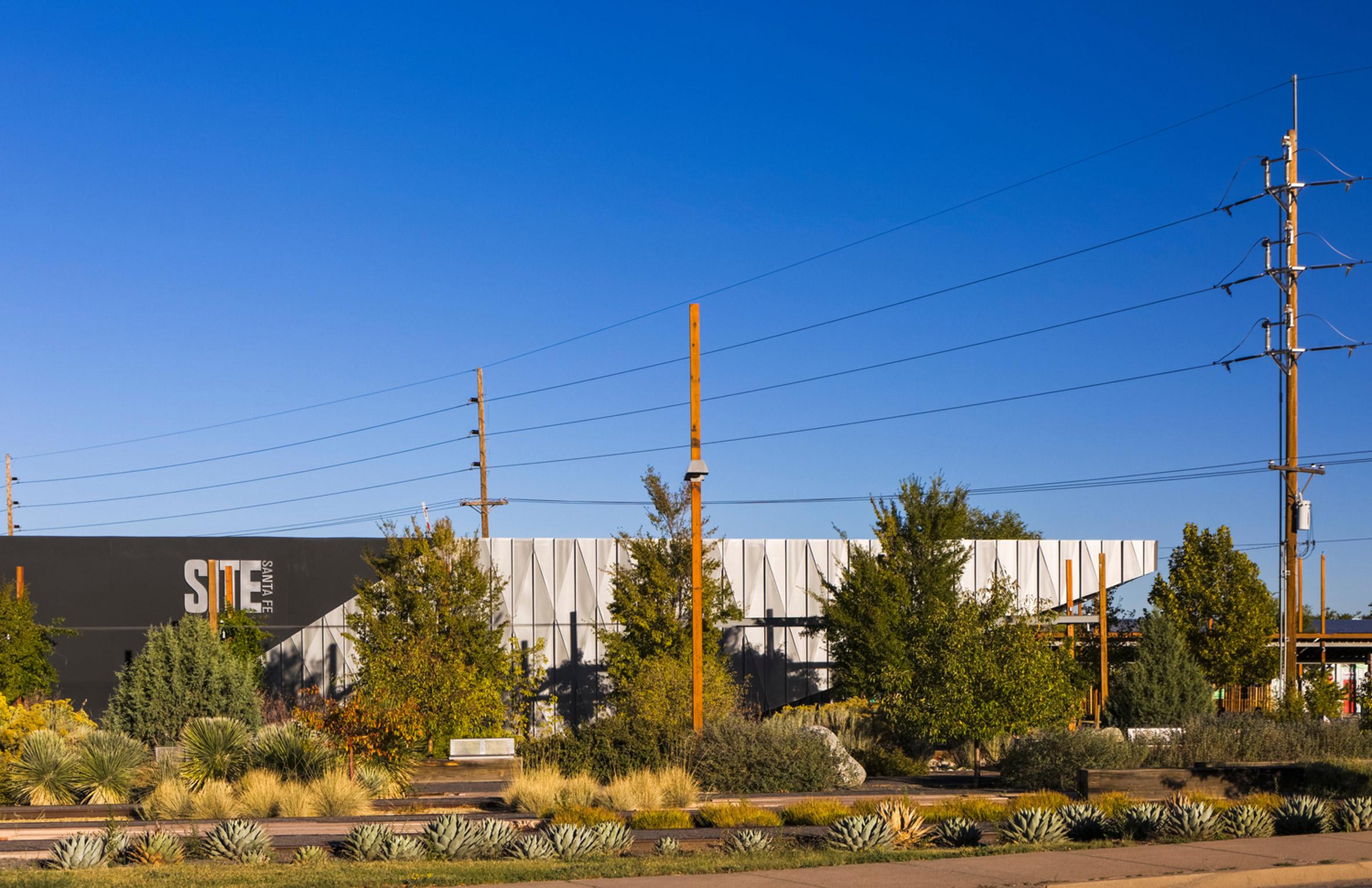 SHoP extends Santa Fe art gallery with folded aluminium corner