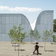 """Canyon-like"" roof tops Brooks + Scarpa's Southern Utah Museum of Art"
