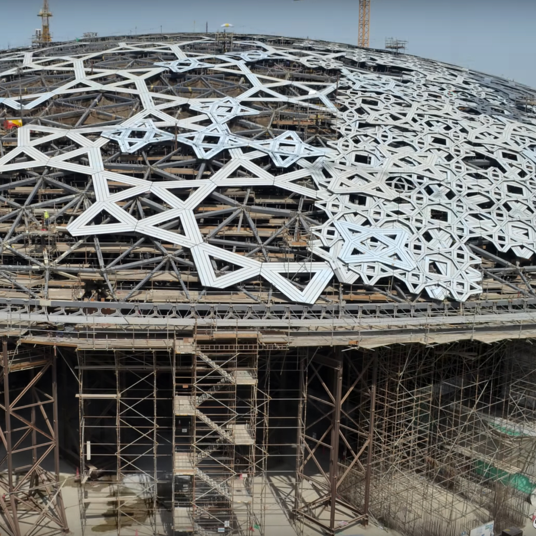 Timelapse Reveals Eight Year Construction Of Louvre Abu Dhabi In Just Three  Minutes